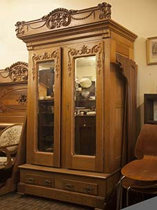 Circa 1870s Super 2-Piece Oak Bedroom Set Armoire and Bed